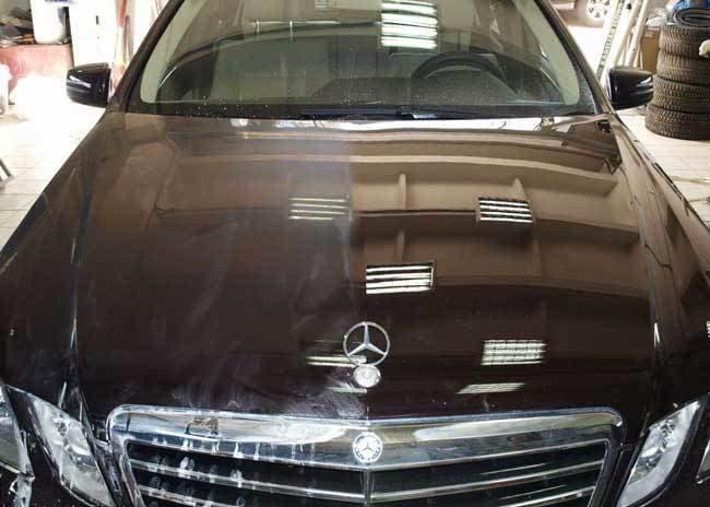 фото процесс полировки автомобиля